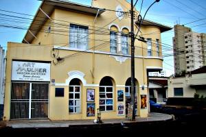 ex-pharmacia-do-sr-joaozinho-e-atual-locadora-dsc02791